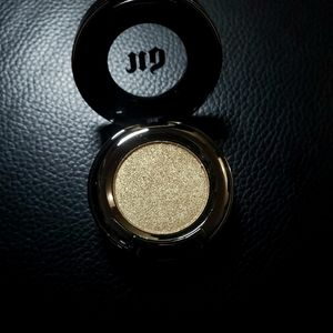 Urban decay eyeshadow in Half baked